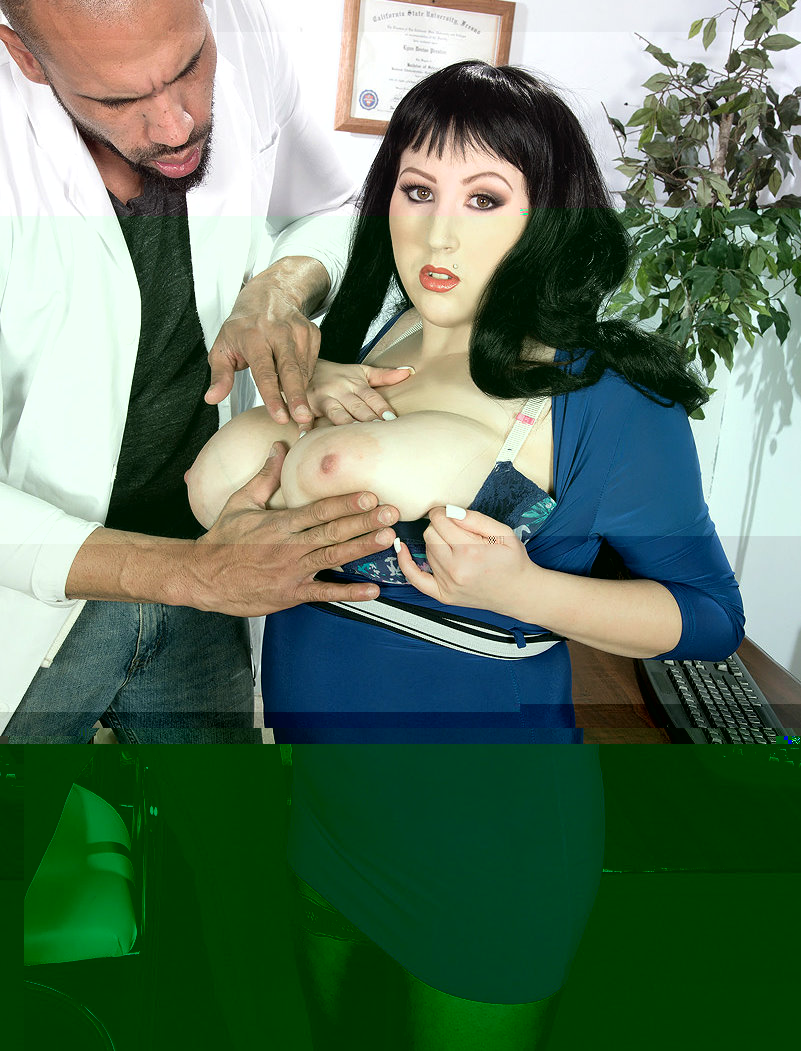 Kamille Amora tit massage.jpg